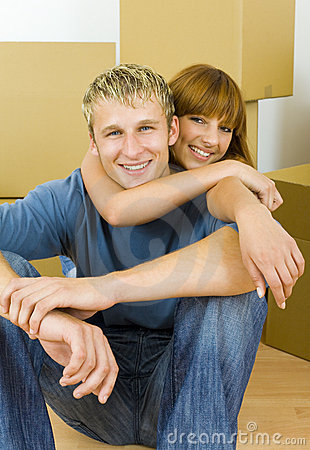 Free Hugging Couple Stock Images - 3041764