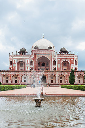 Humayun s tomb fountain, Delhi, India