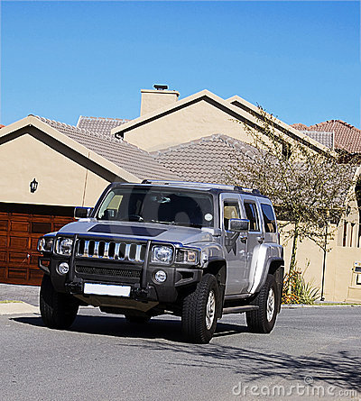 Free Hummer H3 - Silver Royalty Free Stock Image - 5586956