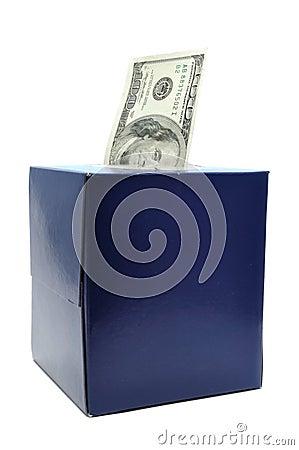 Hundert Dollarschein im Gewebe-Kasten