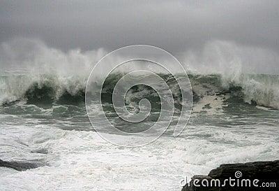 Hurricane Earl Waves