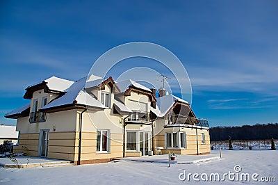 Hus i vinter