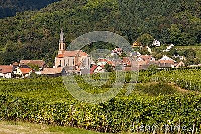 Husseren-les-chateaux en Alsacia