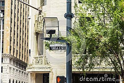 Huvudsaklig gata för gatatecken i centrum