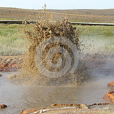 Hveravellir mud geysir