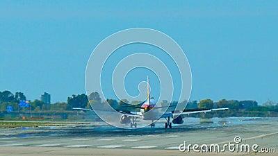 Iberia L.A.E. Jet Plane Approaching Landing almacen de metraje de vídeo