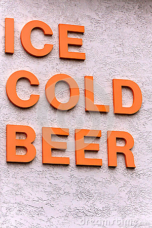 Free Ice Cold Beer Sign Royalty Free Stock Photos - 30112418