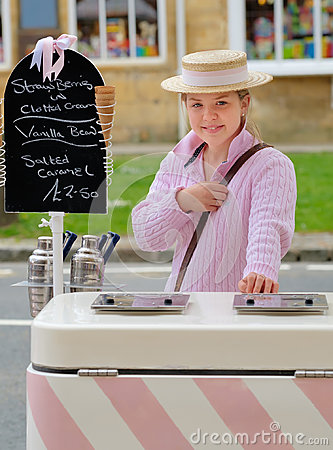 Free Ice Cream Vendor, Broadway, Cotswolds, England Royalty Free Stock Images - 98746129