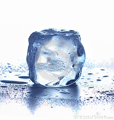 Free Ice Cube Royalty Free Stock Photography - 29466637