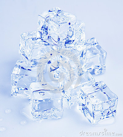 Free Ice Cubes Royalty Free Stock Photography - 19393787