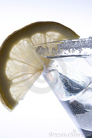 Ice drink with lemon