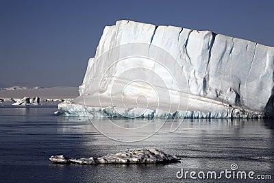 Iceberg de Continente antárctico - de mar de Weddell