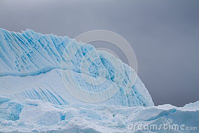 Iceberg ripple