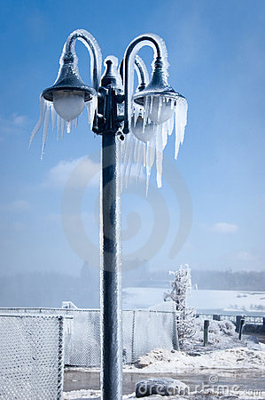 Free Iced Street Lamp Royalty Free Stock Photography - 8845057