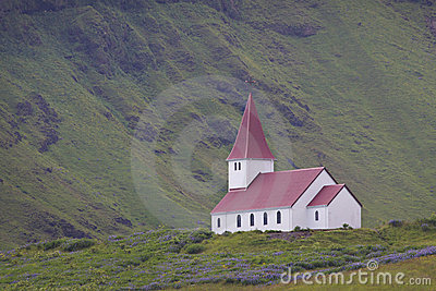 Iceland: Church in solitude