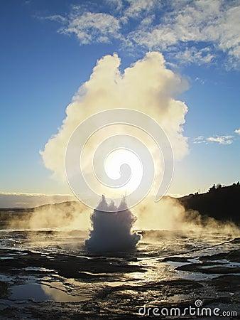 Free Iceland Geyser Strokkur Eruption Stock Image - 8749681