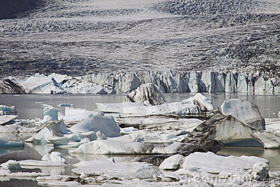 Iceland: Glacier lake