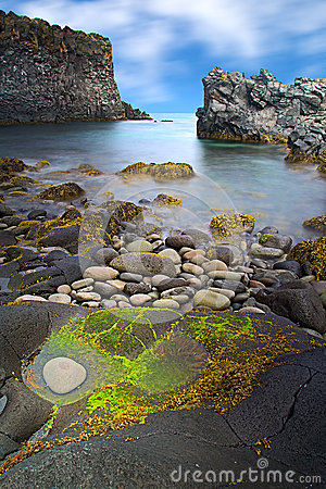 Free Iceland Rocky Coast Landscape Royalty Free Stock Photography - 32157447