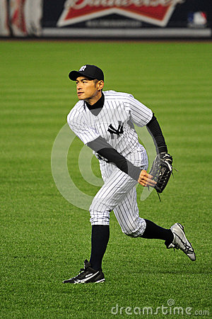 Free Ichiro Suzuki Throwing From Outfield Royalty Free Stock Photo - 30468375