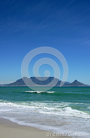 Iconic view of cape town s table mountain