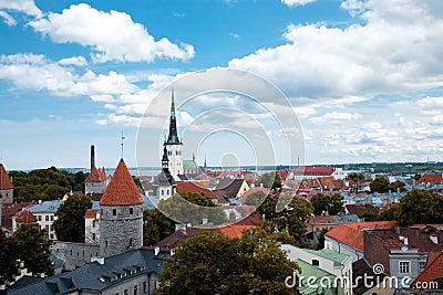 Ideia Bird s-eye do centro do `s de Tallinn