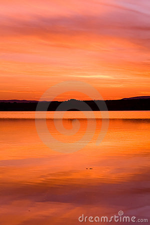 Idilic sunset over ocean water
