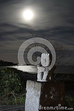 Idol at night