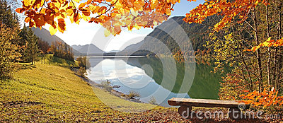 Idyllic autumnal scenery lake sylvenstein, germany