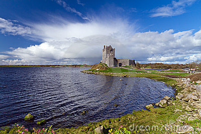 Idyllic scenery with Dunguaire castle