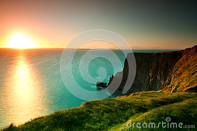 Idyllic sunset on Irish Cliffs of Moher