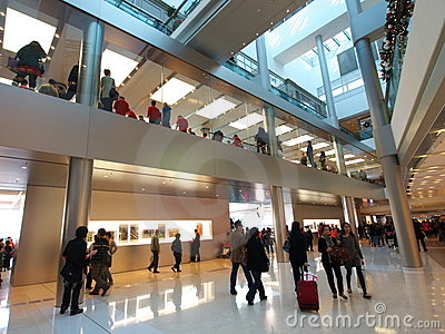 IFC Mall: Apple Store Editorial Stock Image