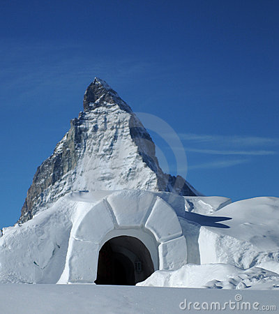 Iglù della neve a Matterhorn