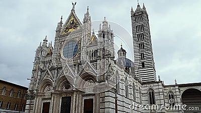 Iglesia medieval 'Catedral de Santa María', duomo de Siena, Toscana, Italia metrajes