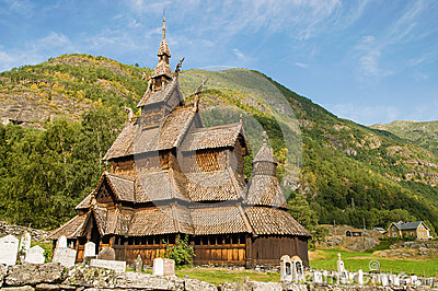 A igreja do stave (igreja de madeira) Borgund, Noruega