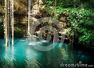 Ik-Kil Cenote, Mexiko