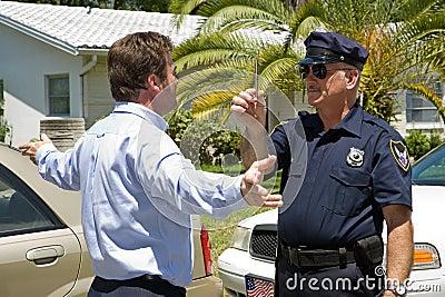 Il driver ubriaco cattura la prova di sobrietà