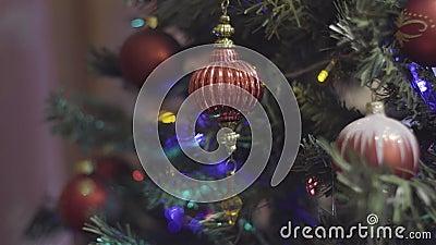 Il Natale d'annata gioca il Natale d'oscillazione e la decorazione del nuovo anno Fondo di festa di Bokeh vago estratto lampeggia archivi video