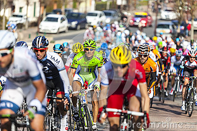 Il peloton Parigi Nizza 2013 in Nemours Fotografia Stock Editoriale