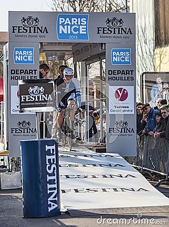 Il prologo 2013 di Rick Flens- Parigi del ciclista Nizza in Houilles Fotografia Editoriale