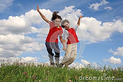 Il salto dei bambini