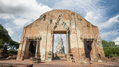 Il torrione di Wat Rat Burana bombarda Ayutthaya stock footage