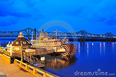 Illinois steamboat at twilight