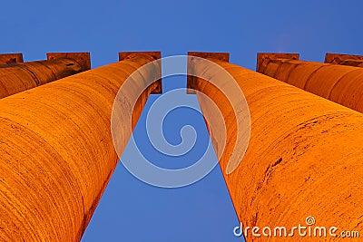 Illuminated classical pillar