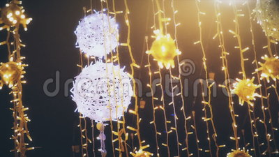 Illuminazione dei decori per il nuovo anno stock footage