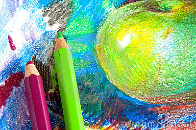 Illustrazione del bambino dalle matite colorate