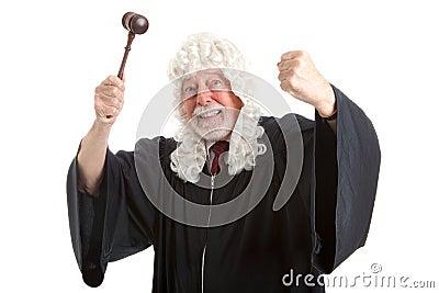 Ilsken brittisk domare som frustreras och
