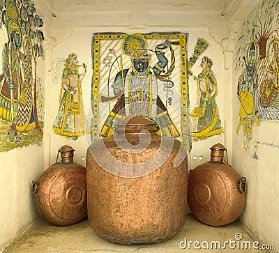 Ilustraciones indias y recipientes de cobre - Jaipur - la India Imagen de archivo editorial