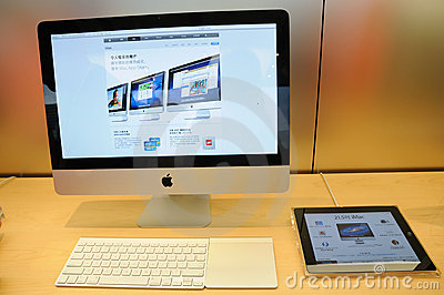Imac display in Apple store Editorial Photo