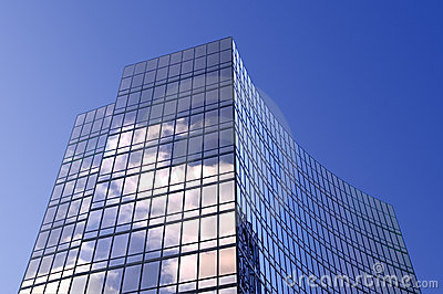Immeuble de bureaux en verre moderne image stock image for Immeuble bureau moderne