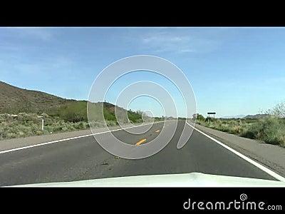 Impulsión de la tarde de la carretera del desierto de Arizona almacen de video